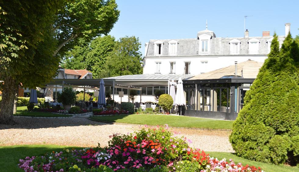 Chateau des iles - Les jardins d hestia grezieu la varenne ...
